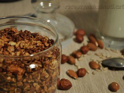 Báječné domácí ořechové müsli