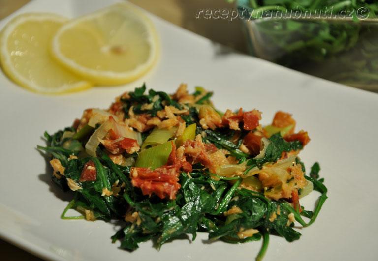 Teplý rukolový salát