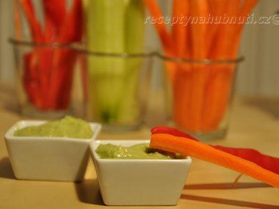 Zeleninové tyčky s omáčkou