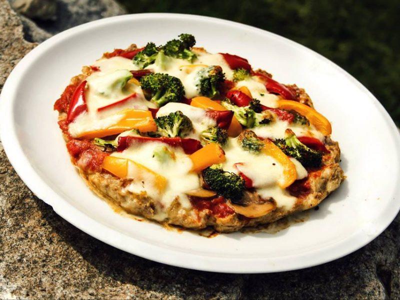 Pizza z kuřecího těsta