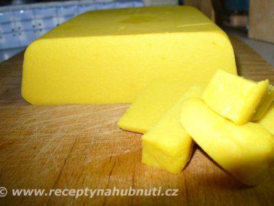 Domácí cizrnové tofu