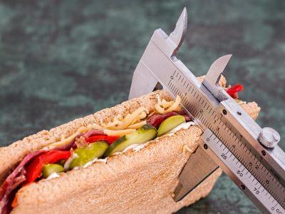 Omezení kalorií nevyřeší vaše problémy s váhou – místo toho udělejte tohle
